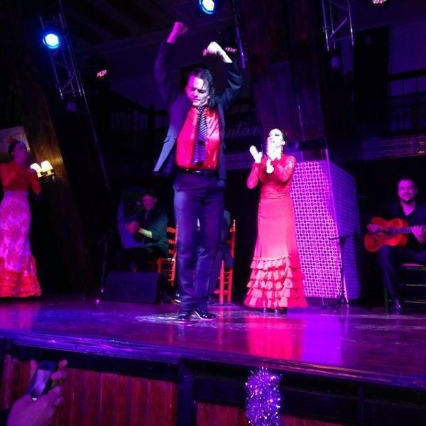 Снимок сделан в Las Tablas Tablao Flamenco пользователем Cigdem L. 12/30/2013