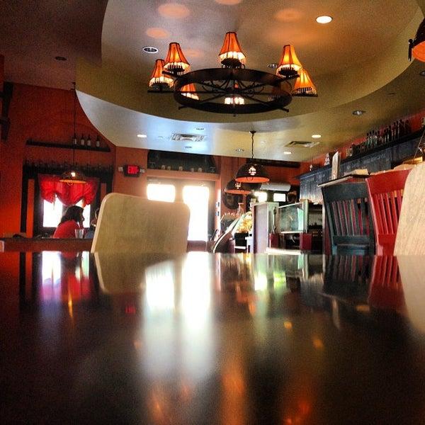 5/15/2013にShane W.がFrogg Coffee Bar and Creperieで撮った写真