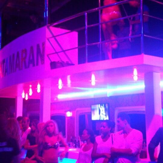 7/26/2013 tarihinde Emrullah C.ziyaretçi tarafından Club Catamaran'de çekilen fotoğraf