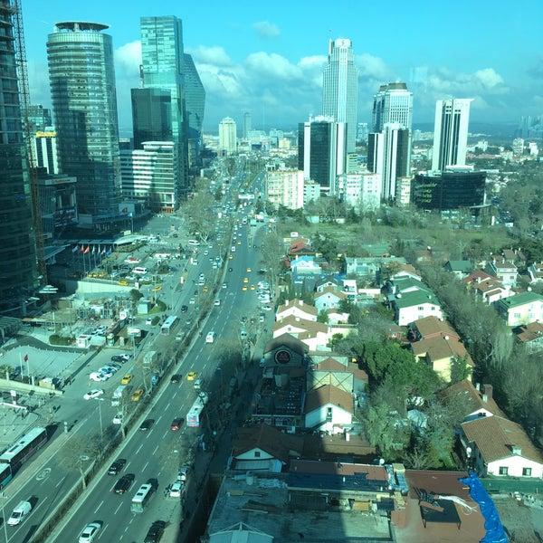Foto scattata a The Istanbul Edition da Ümit Ş. il 1/23/2017