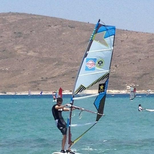 Das Foto wurde bei Alaçatı Surf Paradise Club von Önder A. am 9/18/2013 aufgenommen