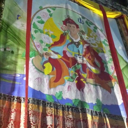 Снимок сделан в Os Tibetanos пользователем Sergio N. 5/16/2014