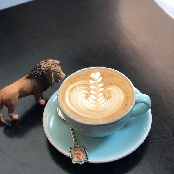 12/22/2017에 SulA K.님이 Cabrito Coffee Traders에서 찍은 사진