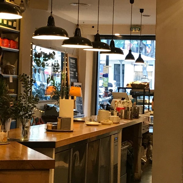 The coffee is excellent. Italian roasted beans and they sell the coffee beans if you want to make it at home. If you like coffee it is one of the best places to come to in Barcelona. Simply perfect.