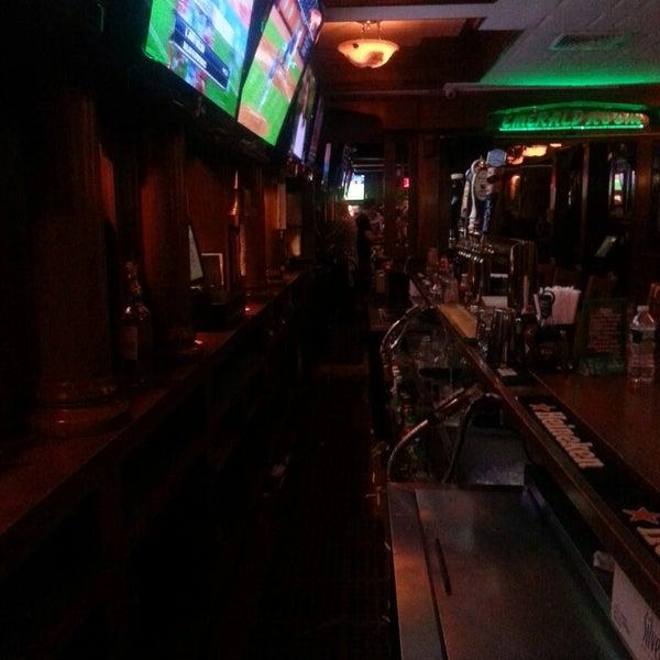 6/27/2013にChris Q.がPlaywright Irish Pubで撮った写真