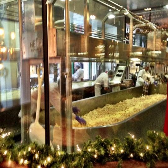 Foto tomada en Beecher's Handmade Cheese por Ian G. el 12/1/2012