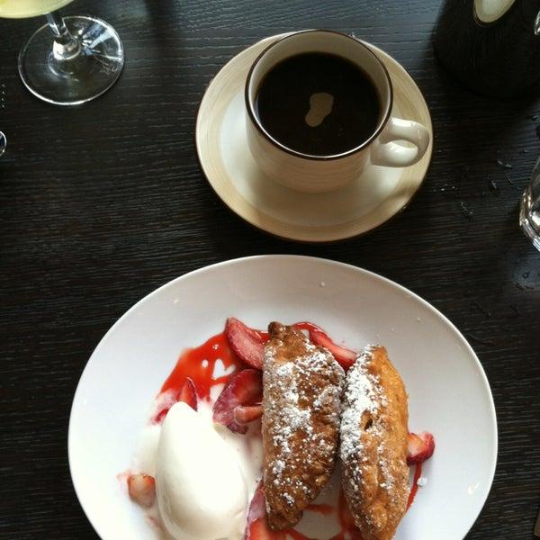 Photo prise au NoPa Kitchen + Bar par Melody le6/9/2013