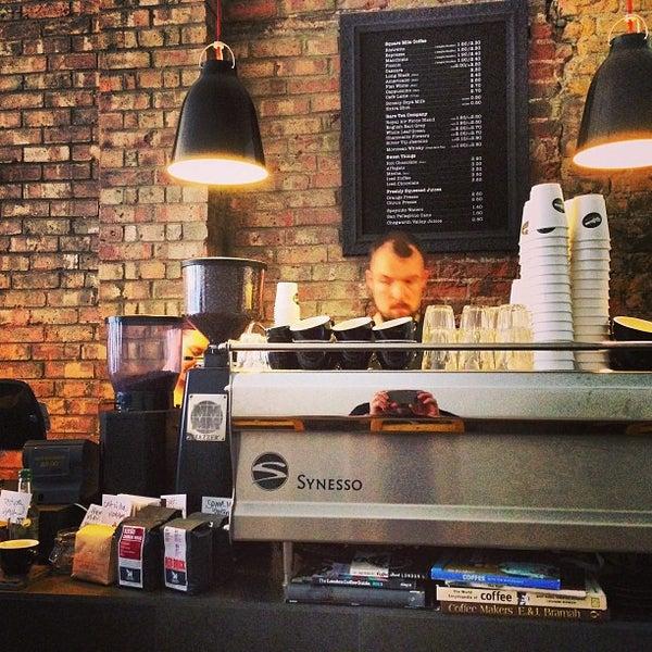 Photo prise au Kaffeine par Simon L. le6/4/2013