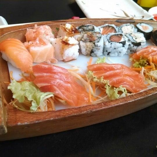 Foto tirada no(a) Kodai Sushi por Lais em 2/22/2014