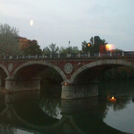 Photo prise au Catullo - Ristorante Pizzeria par Cristina C. le4/13/2014