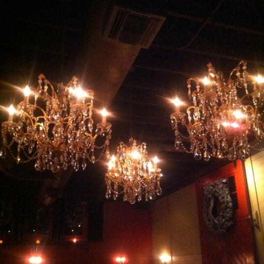 12/16/2012 tarihinde Jasmine D.ziyaretçi tarafından The Luggage Room Pizzeria'de çekilen fotoğraf