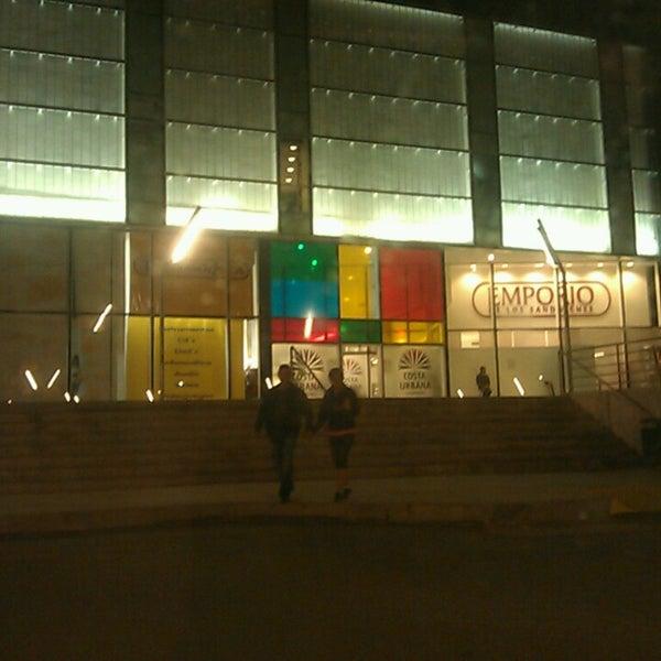 Foto tirada no(a) Costa Urbana Shopping por Yocz M. em 2/15/2014
