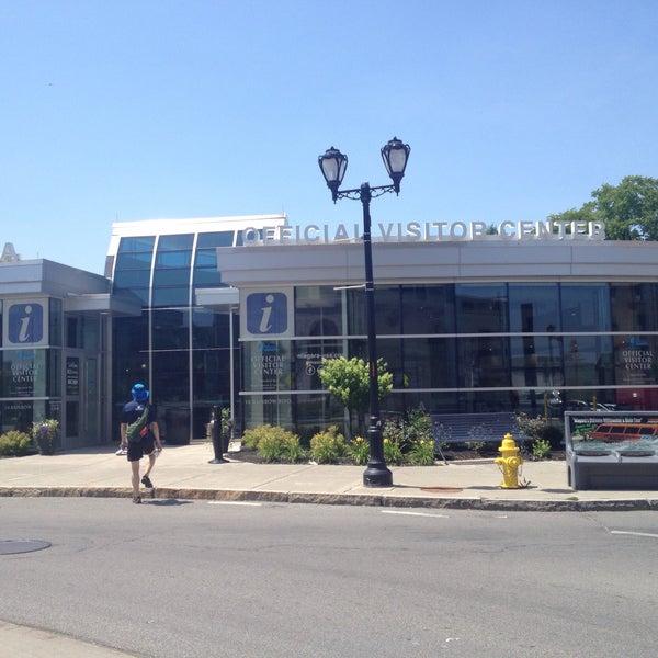 7/13/2015 tarihinde Eunha 네.ziyaretçi tarafından Niagara Falls USA Official Visitor Center'de çekilen fotoğraf