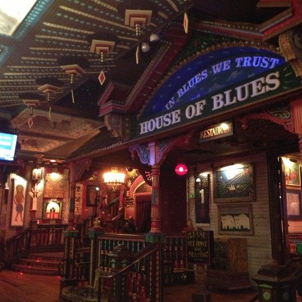 Foto diambil di House of Blues oleh loretta a. pada 5/23/2013