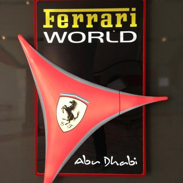 Foto tomada en Ferrari World Abu Dhabi por Cihan B. el 3/8/2013
