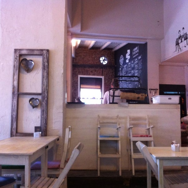 Foto diambil di Boulangerie Cocu oleh Ingrid L. pada 7/14/2013