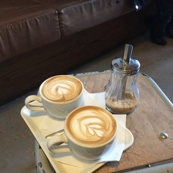 Foto tomada en Espressofabriek por Robert d. el 12/28/2015