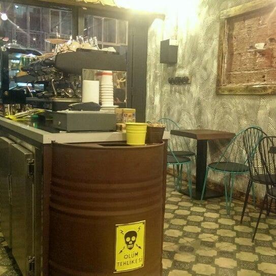 Foto tirada no(a) Deal Coffee Ekspress por Yiğit Ü. em 4/10/2014