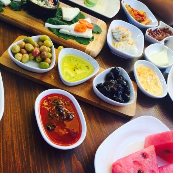 9/20/2015にAyşe A.がLimoon Café & Restaurantで撮った写真