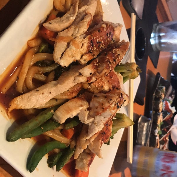 Das Foto wurde bei Mura Japanese Restaurant von Bryan U. am 7/9/2017 aufgenommen