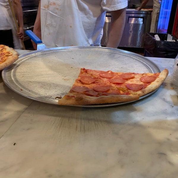 Foto scattata a Joe's Pizza da Curt R. il 11/8/2020
