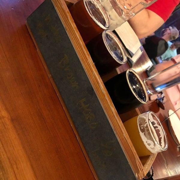 Photo prise au Caboose Brewing Company par Nicole M. le4/14/2018