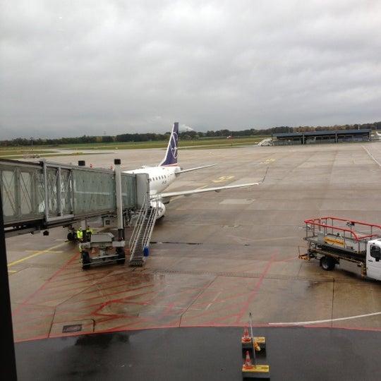 Foto tirada no(a) Terminal A por Michael R. em 10/25/2012