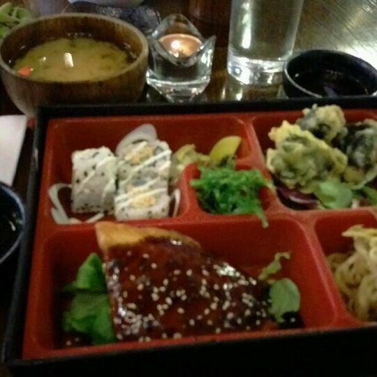 8/11/2016 tarihinde Olga R.ziyaretçi tarafından Banyi Japanese Dining'de çekilen fotoğraf