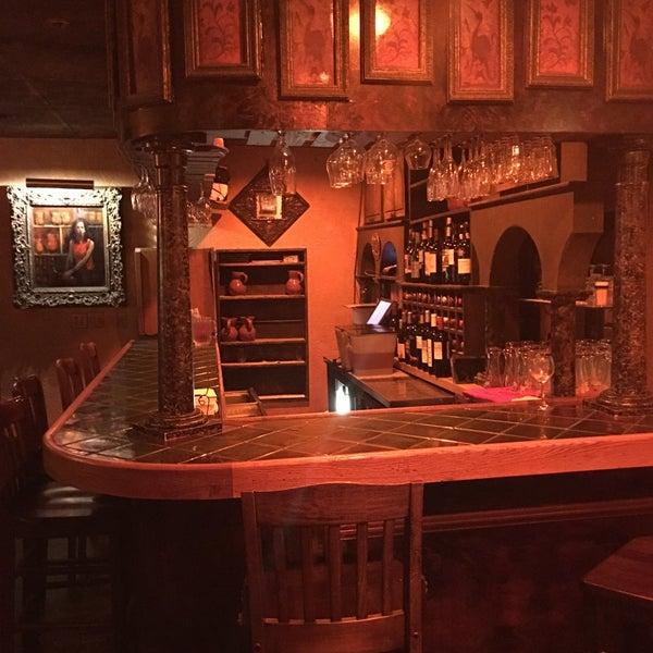 Снимок сделан в Tasca Spanish Tapas Restaurant & Bar пользователем Ann Z. 8/13/2017