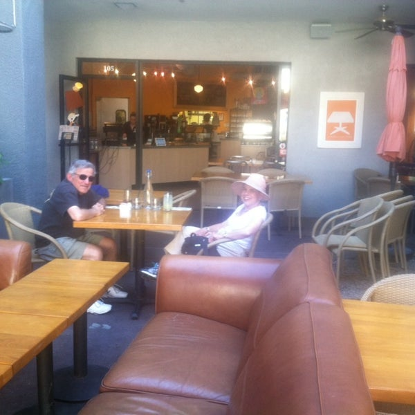 Foto scattata a Park Place Bar & Grill da Jaime B. il 3/10/2014