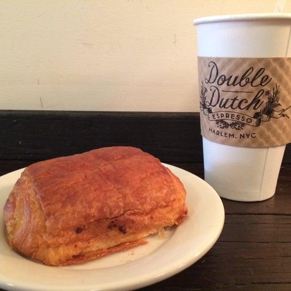 Das Foto wurde bei Double Dutch Espresso von Steve A. am 8/2/2014 aufgenommen