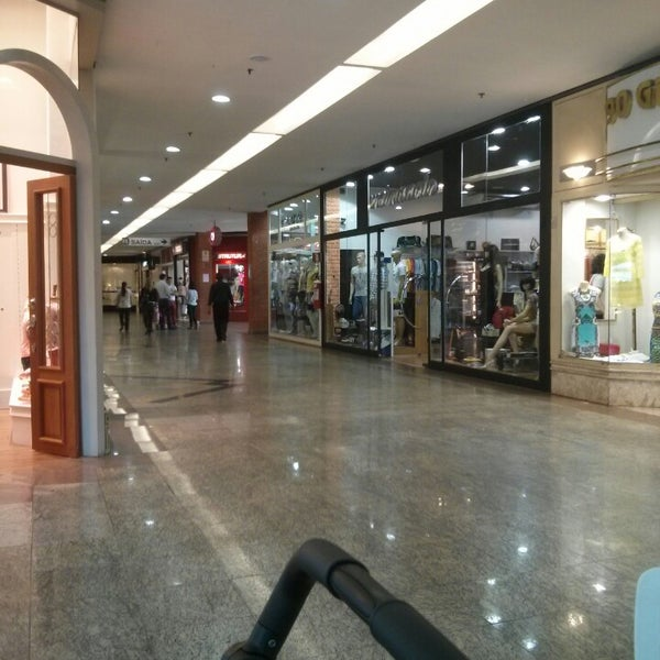 Foto diambil di Shopping Rio Claro oleh Bruno C. pada 9/27/2013