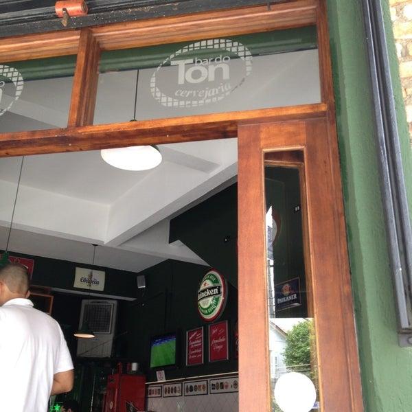 Photo prise au Bar do Ton par Jefferson M. le12/18/2012