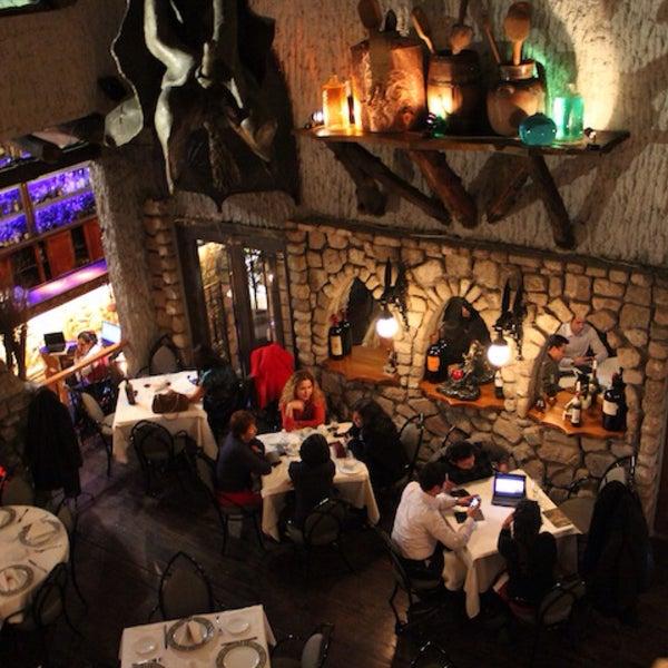 Foto scattata a Restaurante & Bar La Strega da Paco V. il 12/19/2014