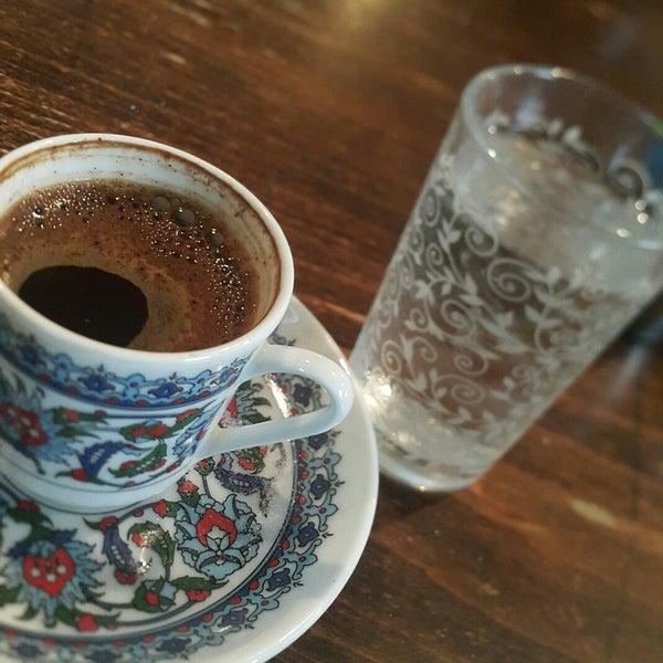 10/1/2017 tarihinde Handan G.ziyaretçi tarafından Tosbağa Cafe'de çekilen fotoğraf