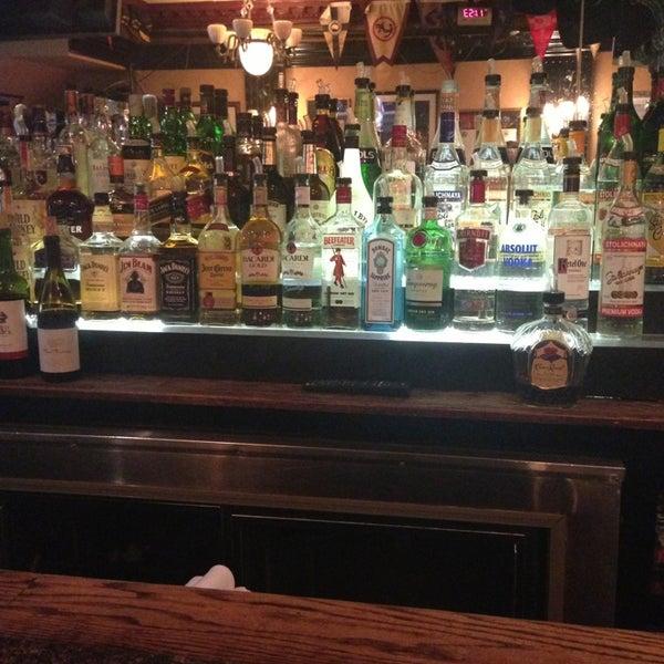 Foto tomada en Hurley's Saloon por Crystal B. el 7/9/2013