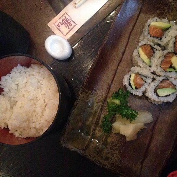 Photo prise au Sushi Zen par Maan M. le10/27/2015