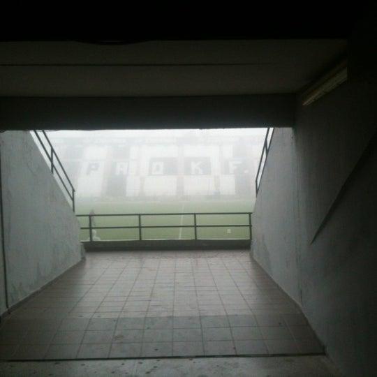 รูปภาพถ่ายที่ Toumba Stadium โดย Nikos S. เมื่อ 12/28/2012