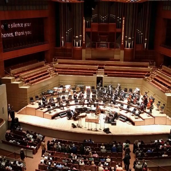 Foto tirada no(a) Morton H. Meyerson Symphony Center por Basavaraj P. em 11/23/2014