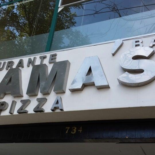 Снимок сделан в Mama's Pizza пользователем Ricardo R. 7/27/2013