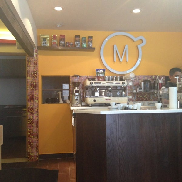 Foto tirada no(a) Momentto Café 100% Colombiano por Ariadna C. em 9/5/2013
