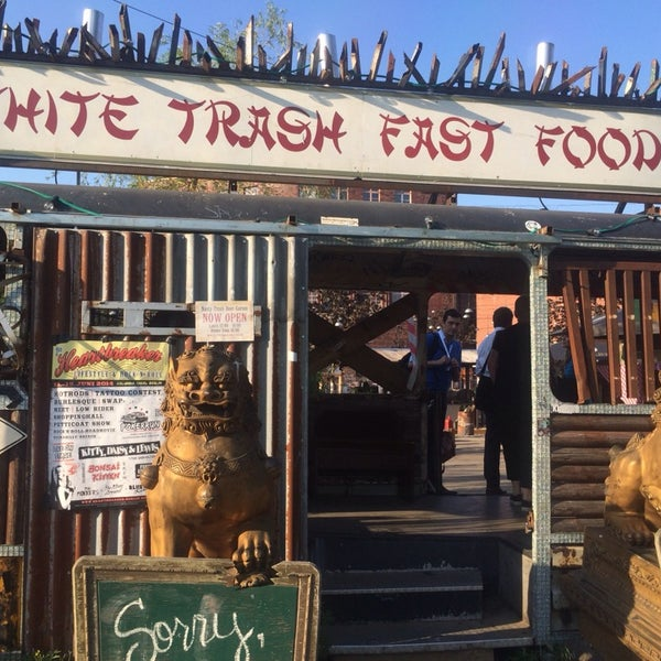 Photo prise au White Trash Fast Food par Philipp H. le5/22/2014