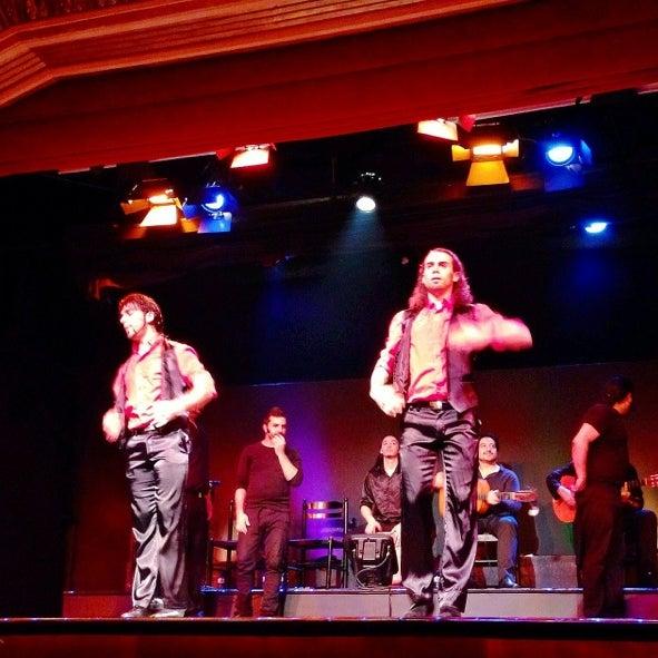 Foto diambil di Palacio del Flamenco oleh Adnan C. pada 3/21/2014