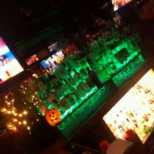 Foto scattata a Bourbon Street Restaurant and Catering da Dean il 10/8/2011