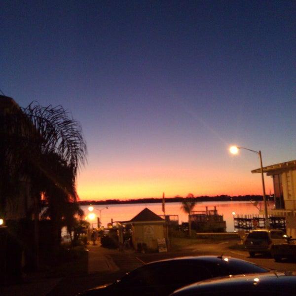 Foto tomada en Pisces Rising por Melanie M. el 10/1/2011