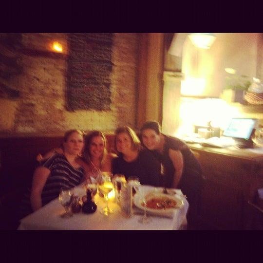 Foto tomada en Gigino Trattoria por Marissa S. el 7/7/2012
