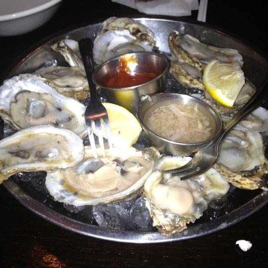 Photo prise au Nomad Restaurant par Patricia T. le9/2/2012