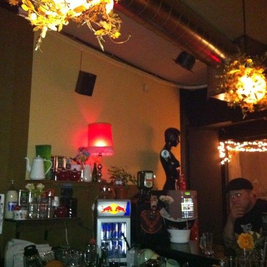 Foto tomada en Foxy Bar por Elisarodriguezc el 6/22/2011