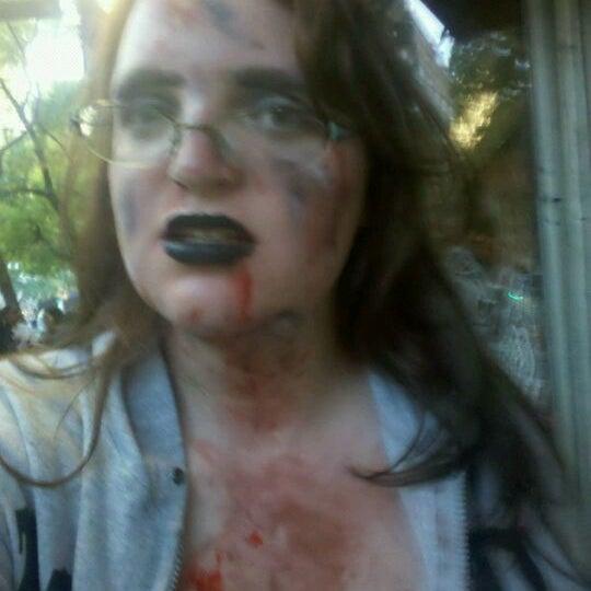 Foto scattata a Beauty Bar da Jenna L. il 10/16/2011