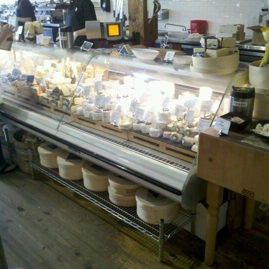 6/20/2012にNicholas S.がBeecher's Handmade Cheeseで撮った写真